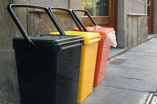 Risultati immagini per porta a porta rifiuti